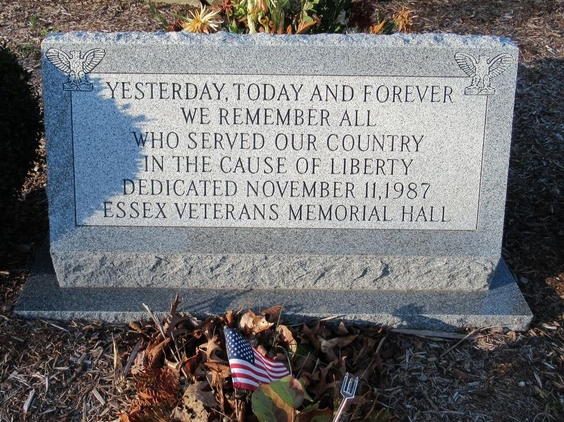 Essex Veterans Monument image. Click for full size.