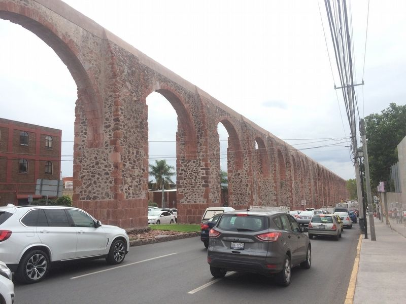 The Aqueduct of Querétaro image. Click for full size.