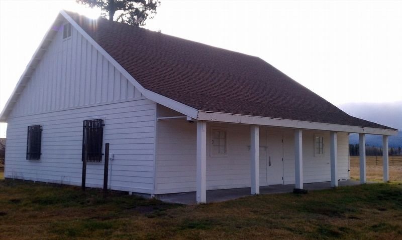 Fort Klamath County Park Museum building image. Click for full size.