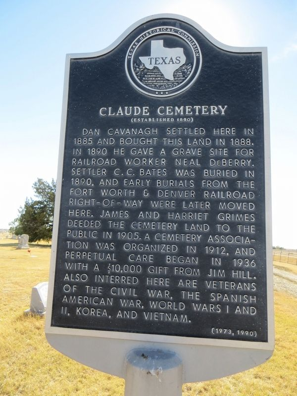 Claude Cemetery Marker image. Click for full size.