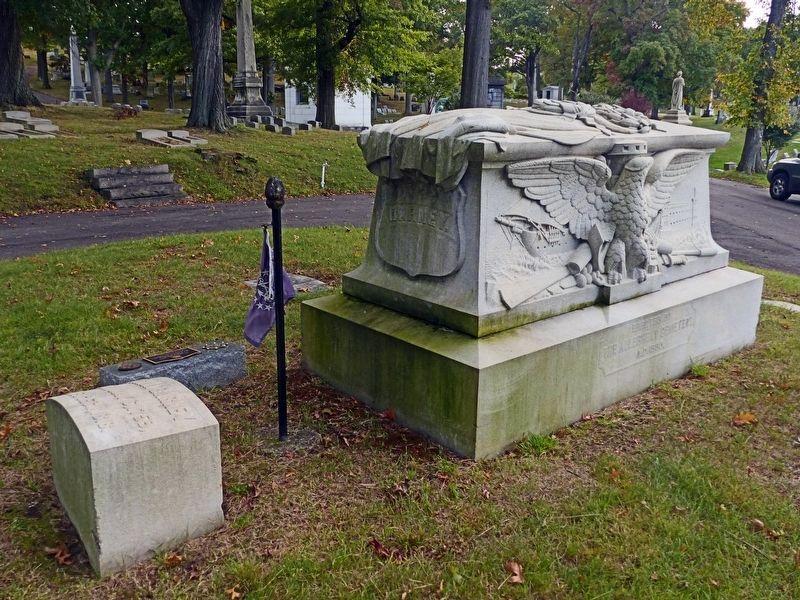 Commodore Joshua Barney's Grave image. Click for full size.