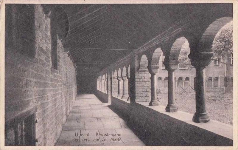 <i>Kloostergang der kerk van St. Marie</i> - The church cloister image. Click for full size.