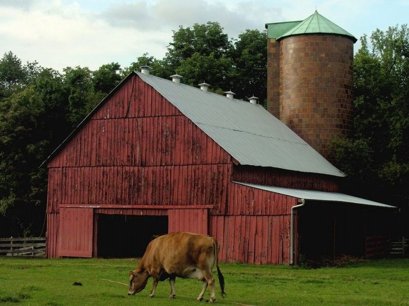 Current Dairy Barn at Oxon Hill Farm Park & Silo image. Click for full size.