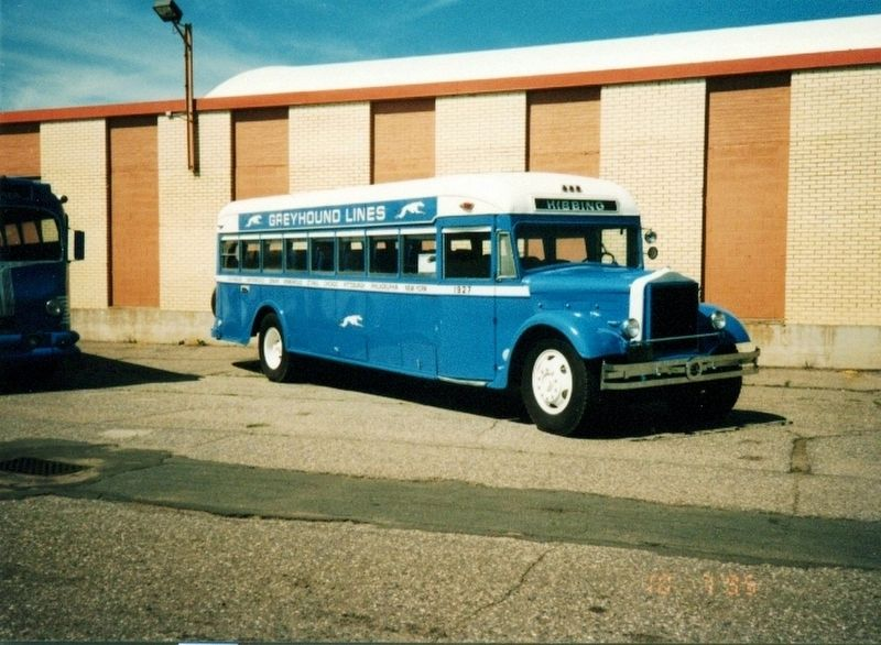 Old time Greyhound Bus image. Click for full size.