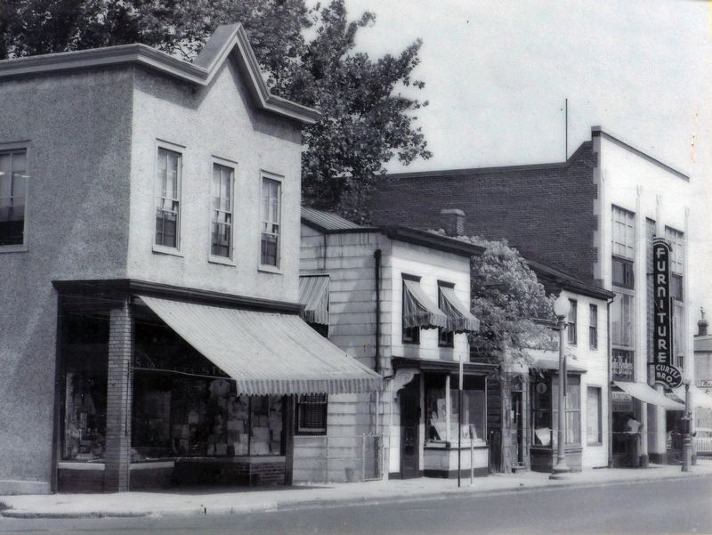 Curtis Brothers Furniture<br>2041 Nichols Avenue image. Click for full size.