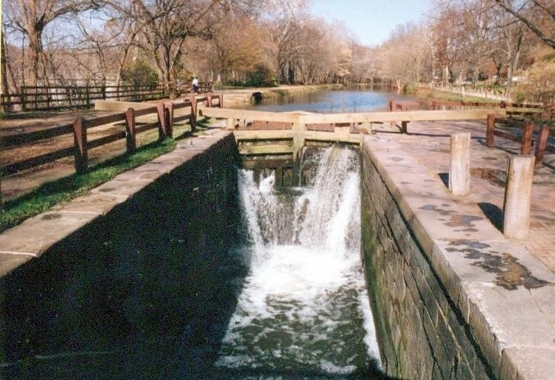 A Lift Lock-C & O Canal image. Click for full size.