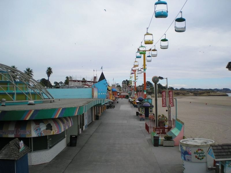 Santa Cruz Beach Boardwalk image. Click for full size.