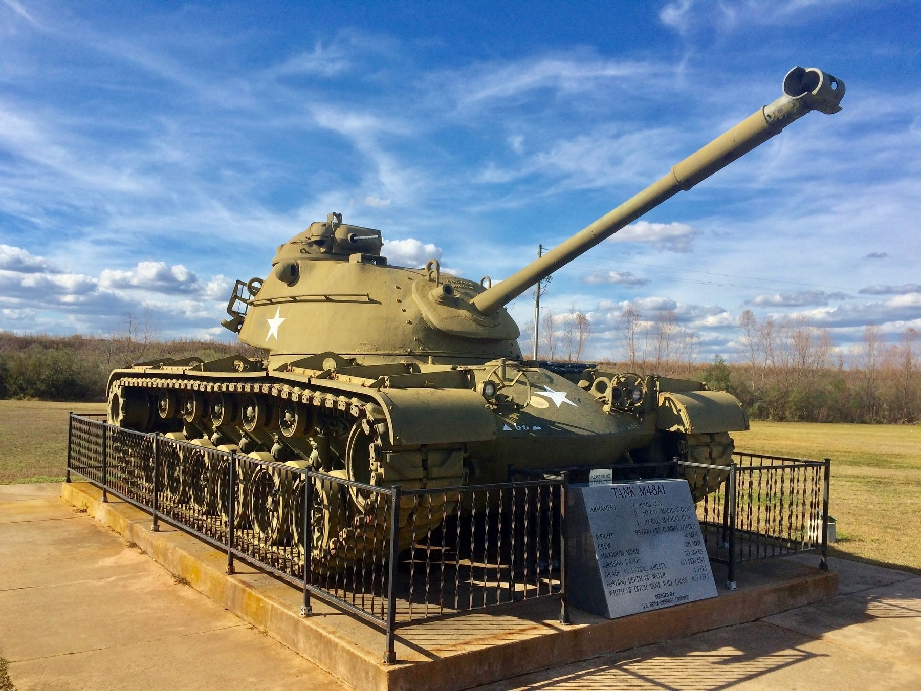 Tank M48A1 Patton Main Battle Tank (MBT) image. Click for full size.