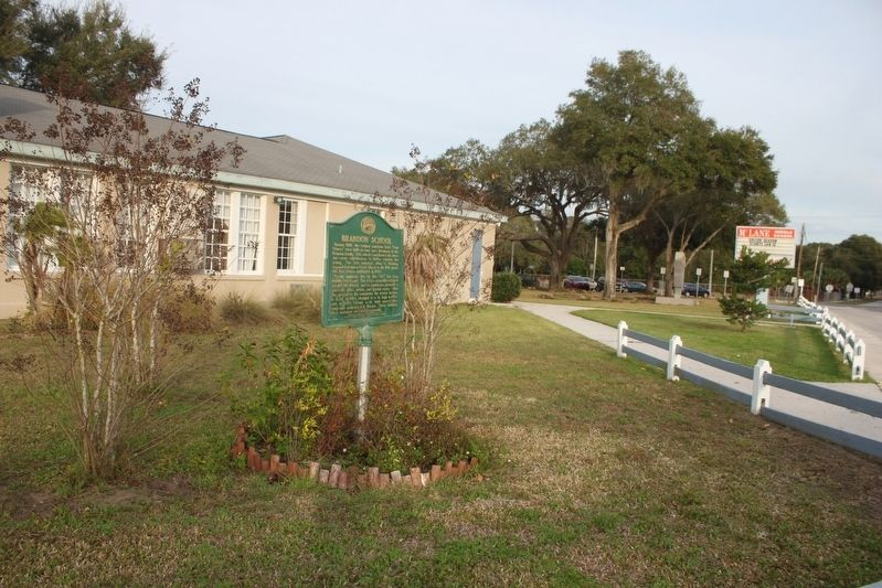 Brandon School Marker and school image. Click for full size.