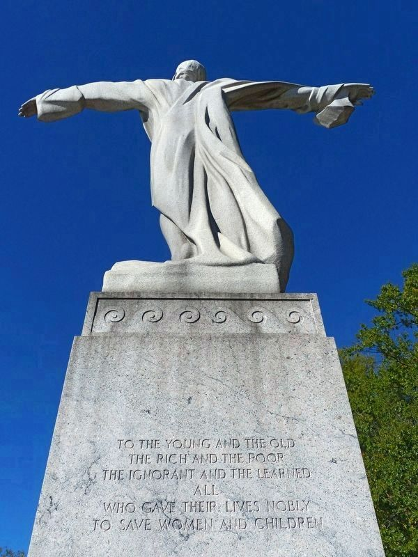 Titanic Memorial image. Click for full size.