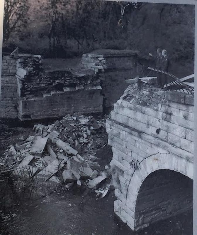 1973 Collapse image. Click for full size.