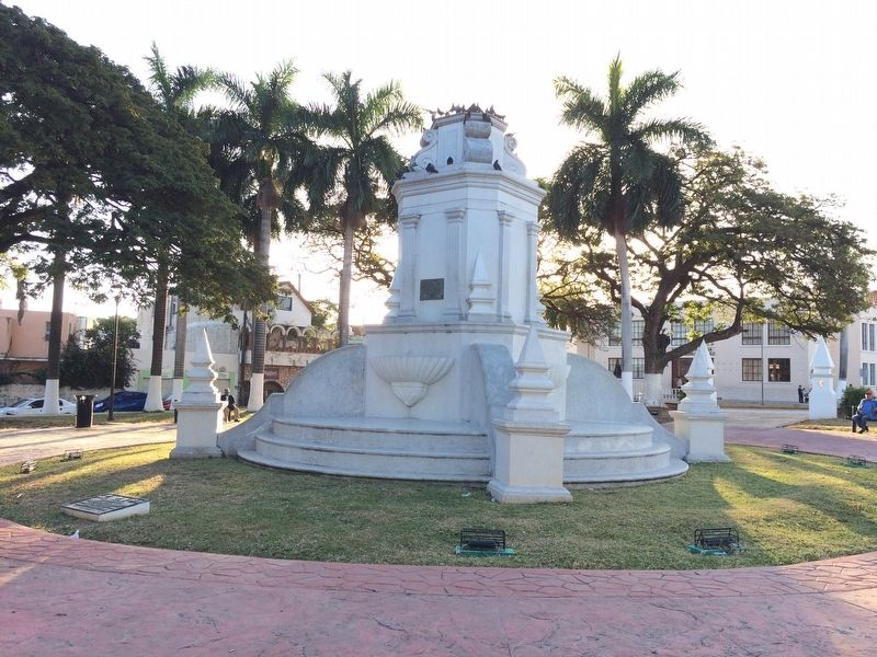 Park of the 4th Centenary San Martín monument image. Click for full size.