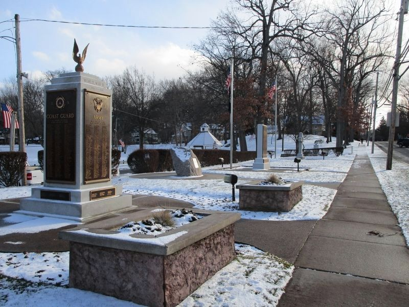 ER Veteran's Memorial Complex image. Click for full size.
