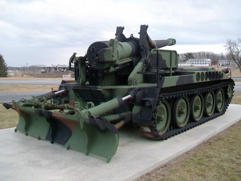 M110 Howitzer image. Click for full size.