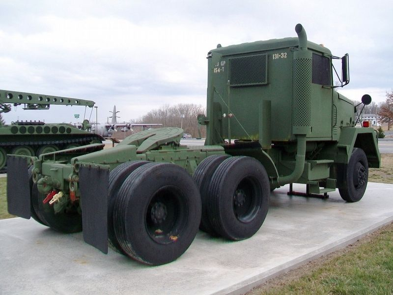 M915A1 Line Haul Tractor image. Click for full size.