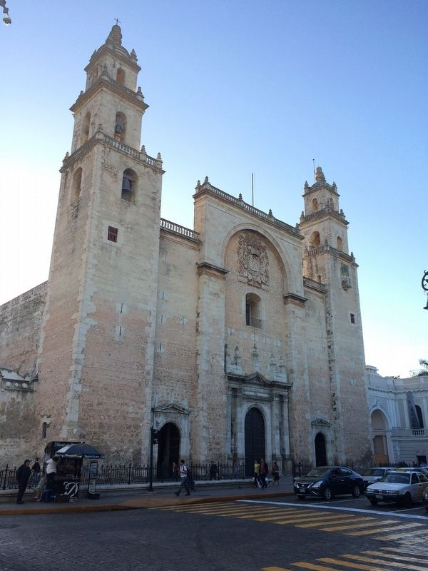 The Cathedral of San Ildefonso of Mérida image. Click for full size.