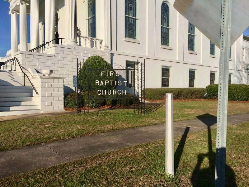 Marker is missing, but pole is still present at First Baptist Church. image. Click for full size.