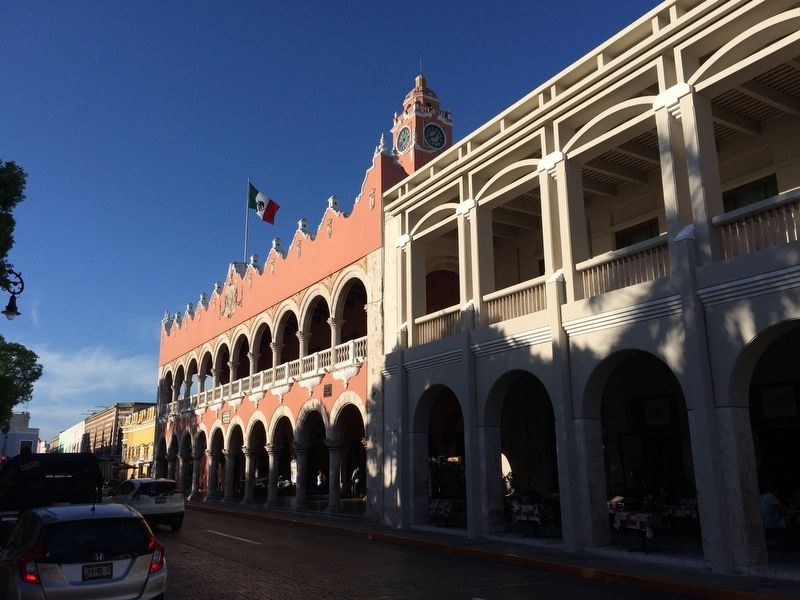The Municipal Palace of Mérida image. Click for full size.