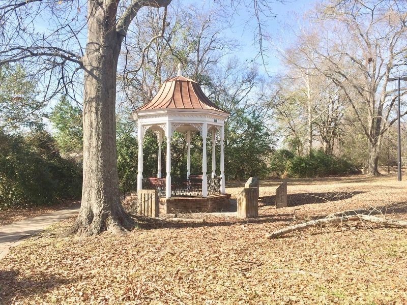Marker, far left, near gazebo, next to the Chattahoochee River. image. Click for full size.