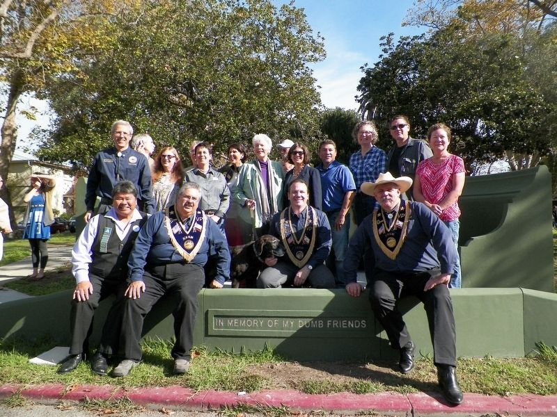 Native Sons Dedication Team & Community Members image. Click for full size.