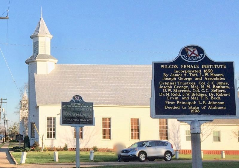 Camden Associate Reformed Presbyterian Church with marker on far left background. image. Click for full size.