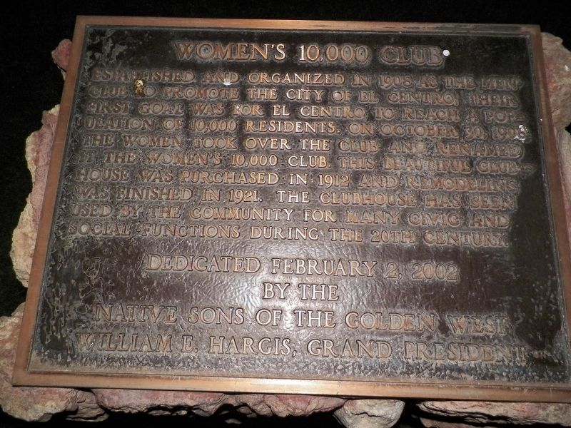 Women's 10,000 Club Marker image. Click for full size.