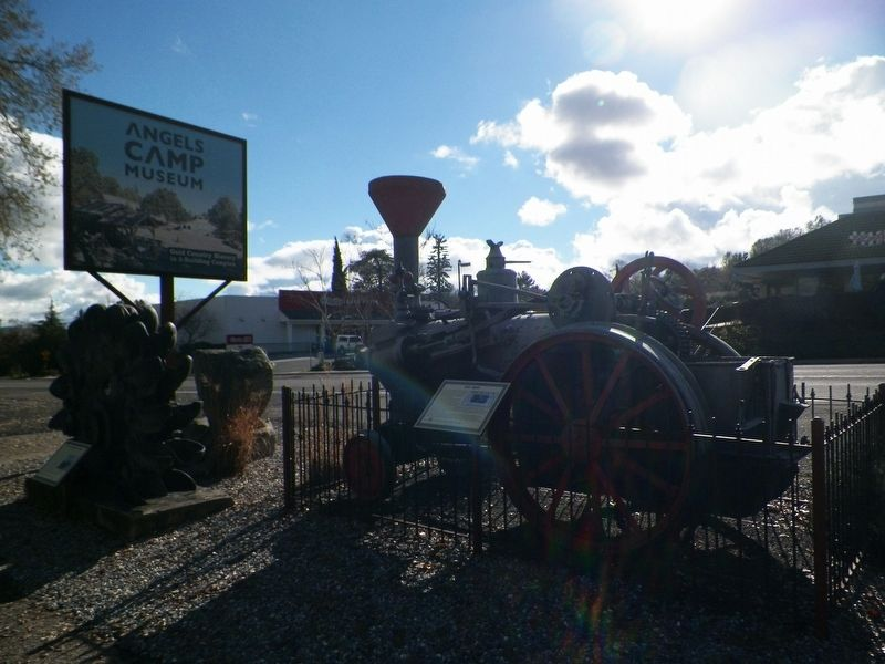 The Jenny Traction Engine and Marker image. Click for full size.