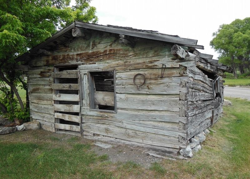 Log Cabin (<b><i>front view</i></b>) image. Click for full size.
