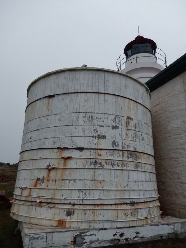 Battery Point Lighthouse (<b><i>water tank</b></i>) image. Click for full size.