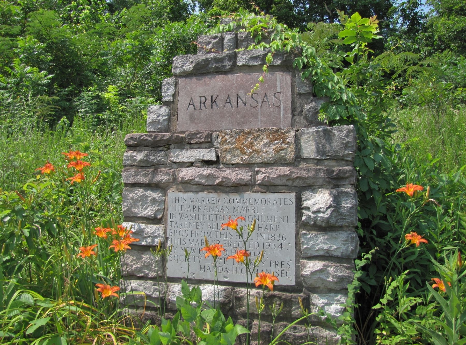 Arkansas Marble in Washington's Monument Marker (<b><i>wide view</b></i>) image. Click for full size.