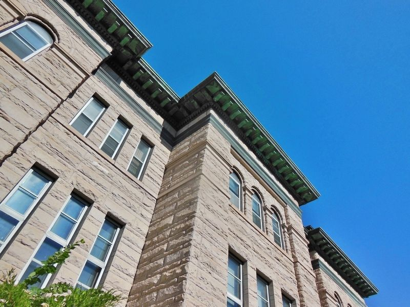 Cascade County Courthouse (<b><i>detail</b></i>) image. Click for full size.
