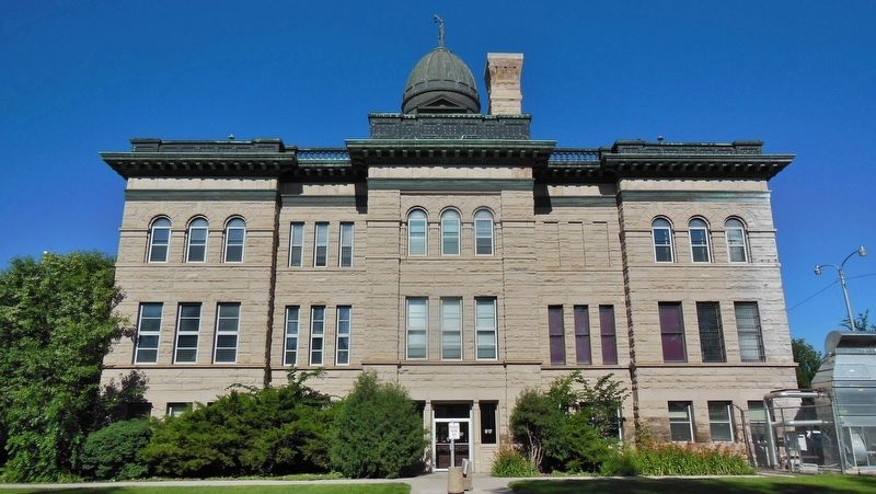 Cascade County Courthouse (<b><i>north side</b></i>) image. Click for full size.
