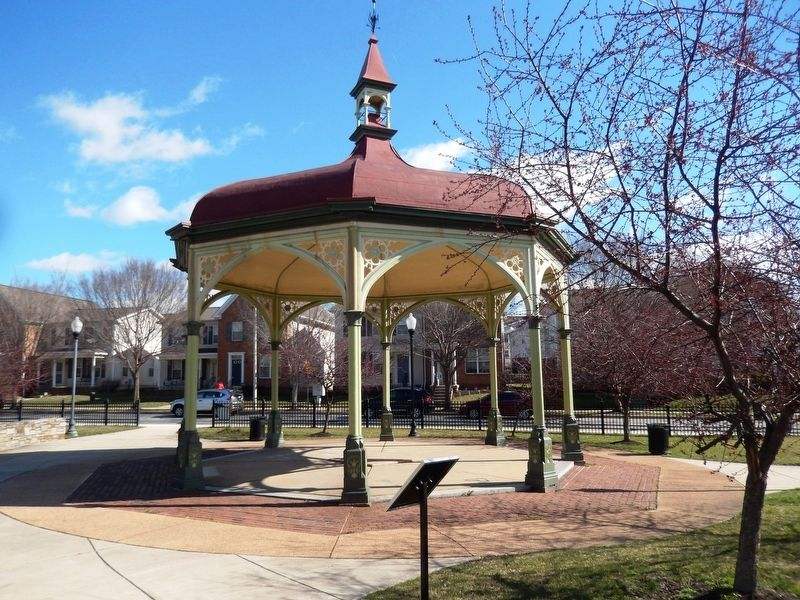 Perkins Square Gazebo image. Click for full size.