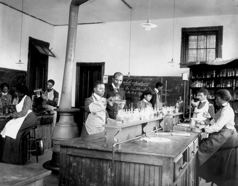 Laboratory at Tuskegee Institute image. Click for full size.