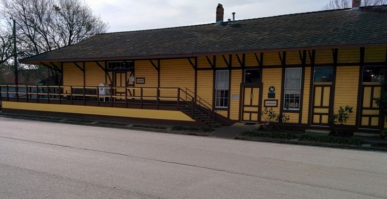 Frankston Railroad Depot image. Click for full size.