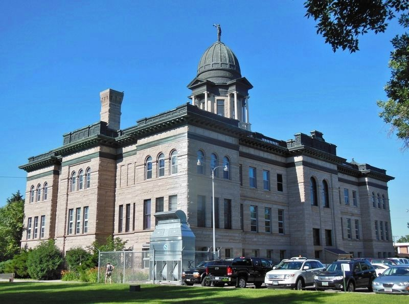 Cascade County Courthouse (<b><i>northeast corner view</b></i>) image. Click for full size.