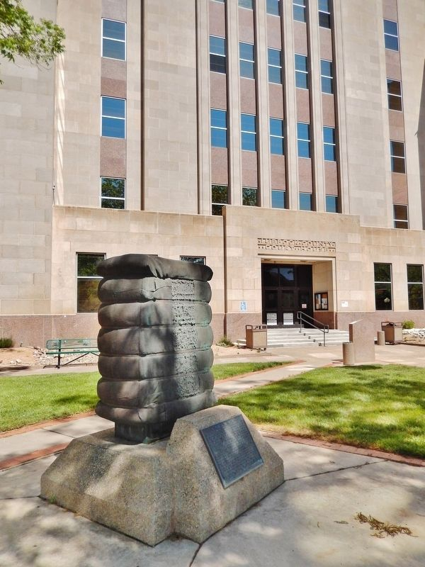 A Tribute to Cotton Marker (<b><i>tall view; Lubbock County Courthouse behind</b></i>) image. Click for full size.