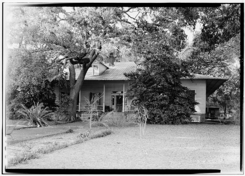 Vance-Gillis House image. Click for full size.