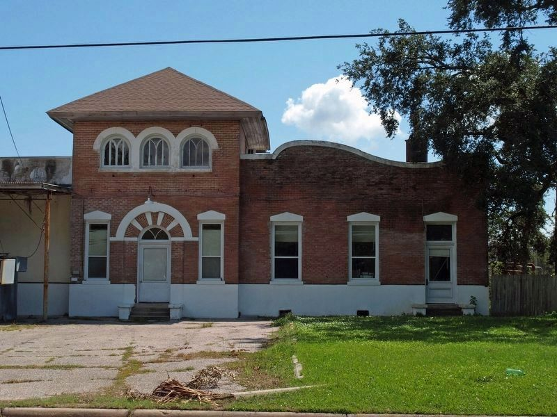 Former Pascagoula Street Railroad and Power Company building. image. Click for full size.