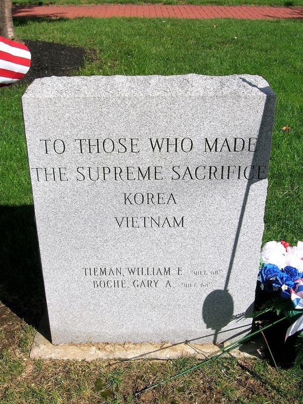 To Those Who Made the Supreme Sacrifice - Korea - Vietnam image. Click for full size.