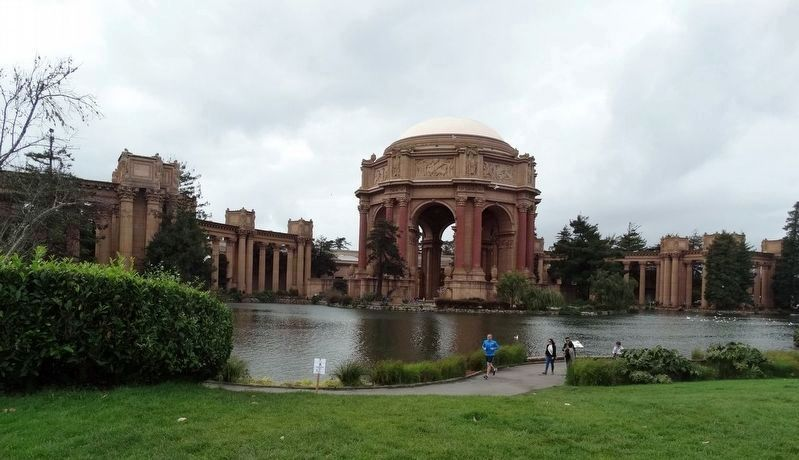 The Palace of Fine Arts Building and the Lagoon image. Click for full size.