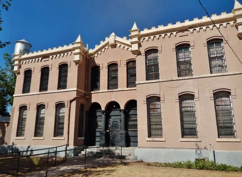 Old Presidio County Jail (<b><i>across street from courthouse</b></i>) image. Click for full size.