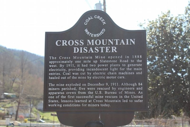 Cross Mountain Disaster Marker image. Click for full size.