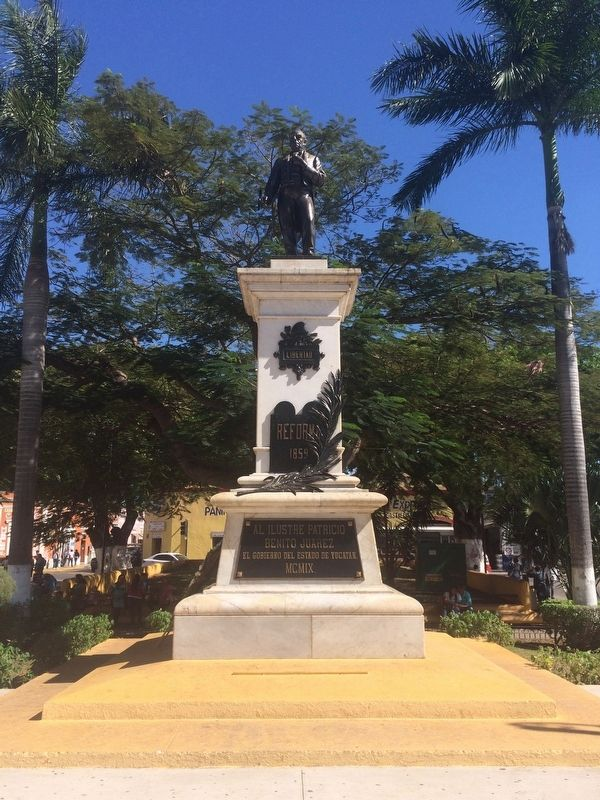 The nearby statue of Juárez just south of the Temple of St. John the Baptist image. Click for full size.