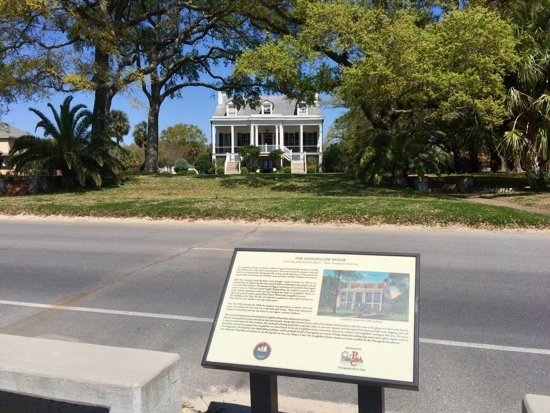 The Longfellow House and marker. image. Click for full size.