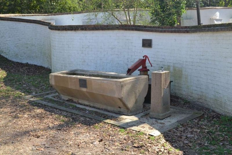 Water Trough, Drinking Fountain, and Marker image. Click for full size.