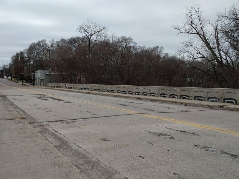 Current Cross Street Bridge image. Click for full size.