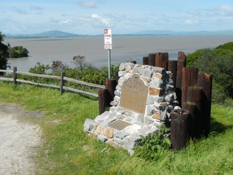 Wa Jen Ha Lio and China Camp Markers image. Click for full size.