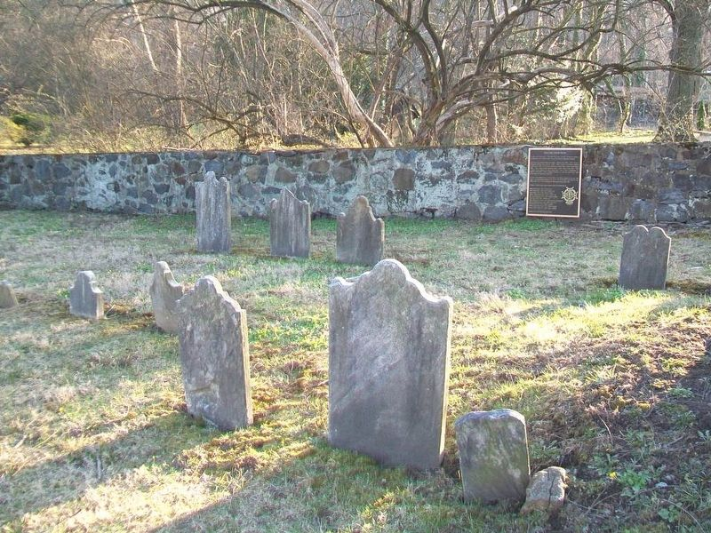 Grubb Family Burying Ground and Marker image. Click for full size.