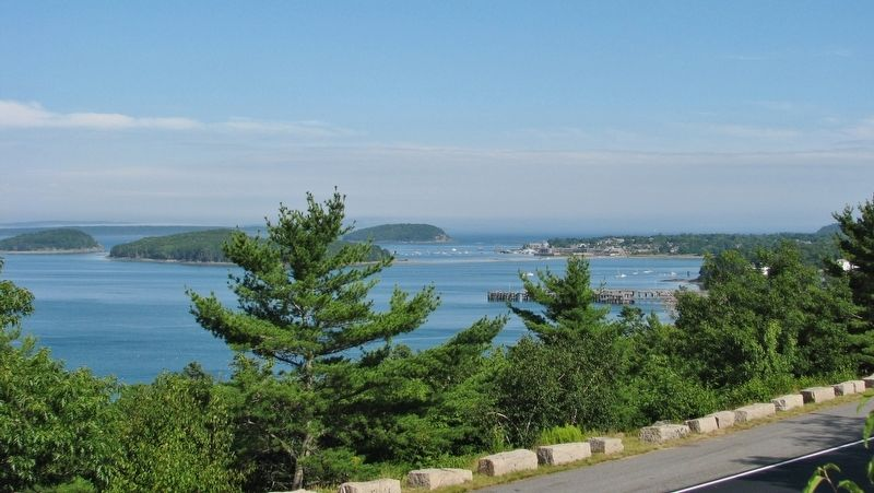 Frenchman Bay on a Clear Day (<b><i>wide view</b></i>) image. Click for full size.